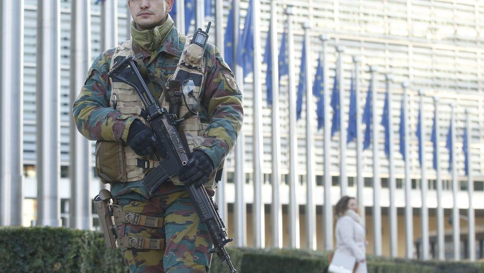 Soldat in Brüssel (Symbolbild)