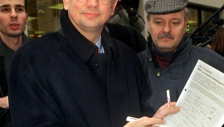 Roland Koch im Jahr 1999: Kampagne gegen den Doppelpass