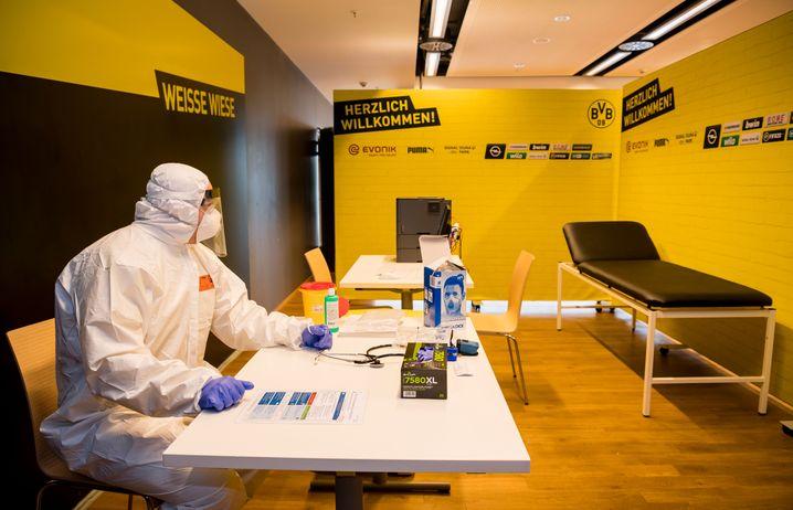 Borussia Dortmund hat im eigenen Stadion einen Behandlungsraum für mit Covid-19 erkrankte Menschen eingerichtet
