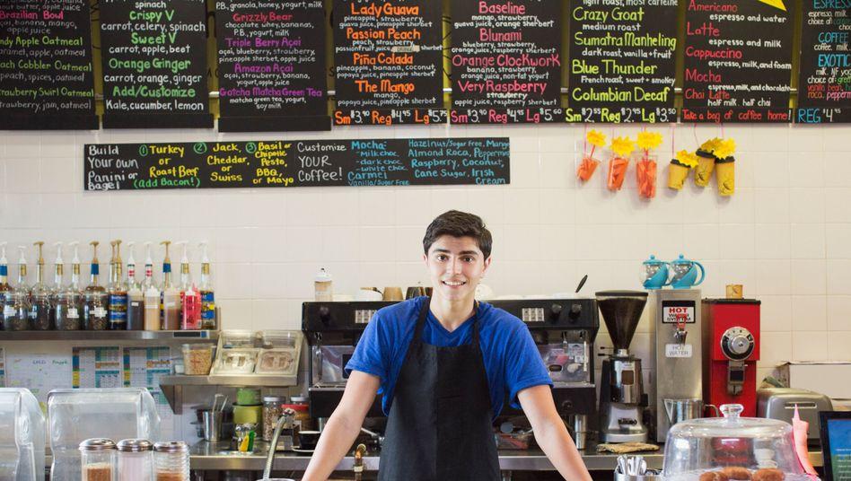 In der Gastronomie dürfen Jugendliche bis 22 Uhr arbeiten - wenn sie mindestens 16 Jahre alt sind