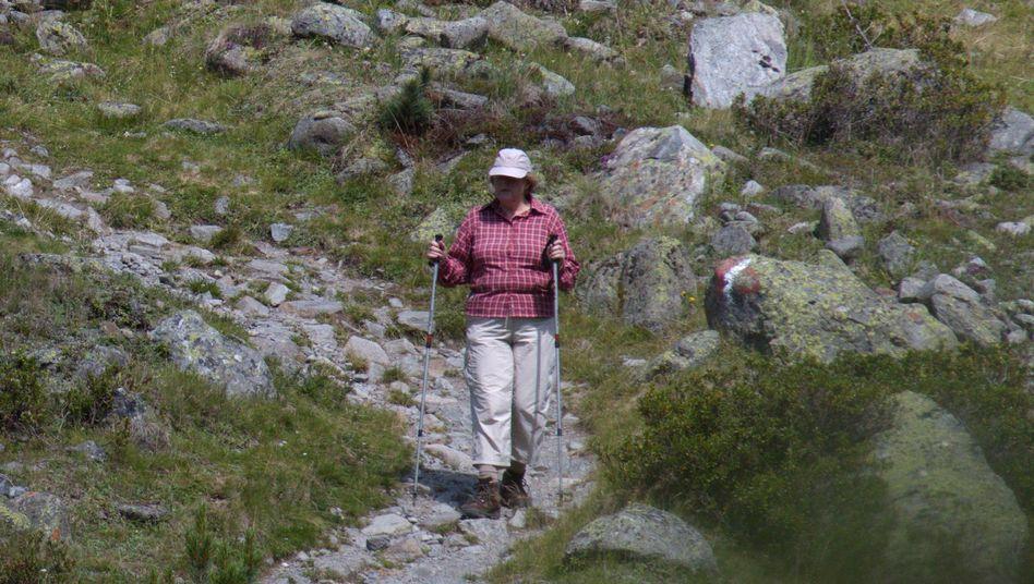 Angela Merkel beim Wandern in Südtirol