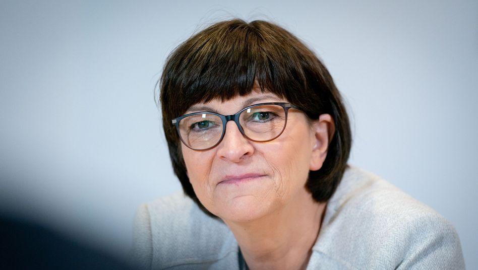 """Saskia Esken: """"Es ist schrecklich, dass ein Polizist so schwer verletzt wurde"""""""