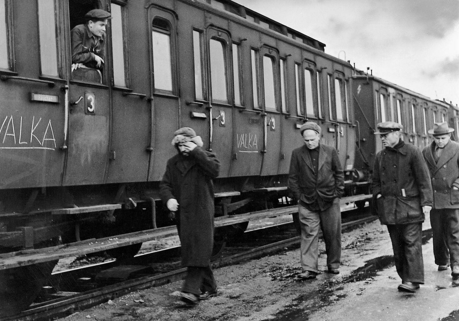 Ein für das Valka-Lager bestimmter Zug, 1945-49