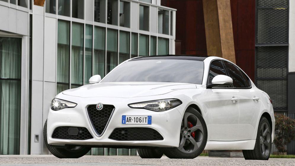 Autogramm Alfa Romeo Giulia: Charmebolzen