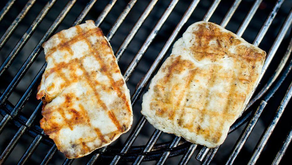 Auch in Deutschland beliebt: Halloumi-Käse auf einem Grill in Stuttgart