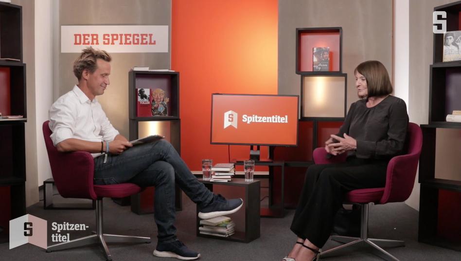 """Monika Maron mit Volker Weidermann bei der Premiere des neuen SPIEGEL-Talks """"Spitzentitel"""""""