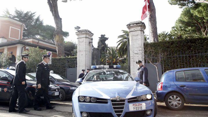 Rom: Anschläge in Botschaften
