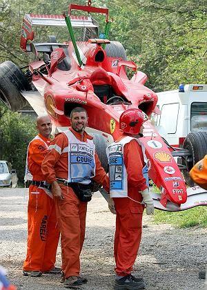 Ramponierter Ferrari von Schumacher: Dreher in der Parabolika-Kurve