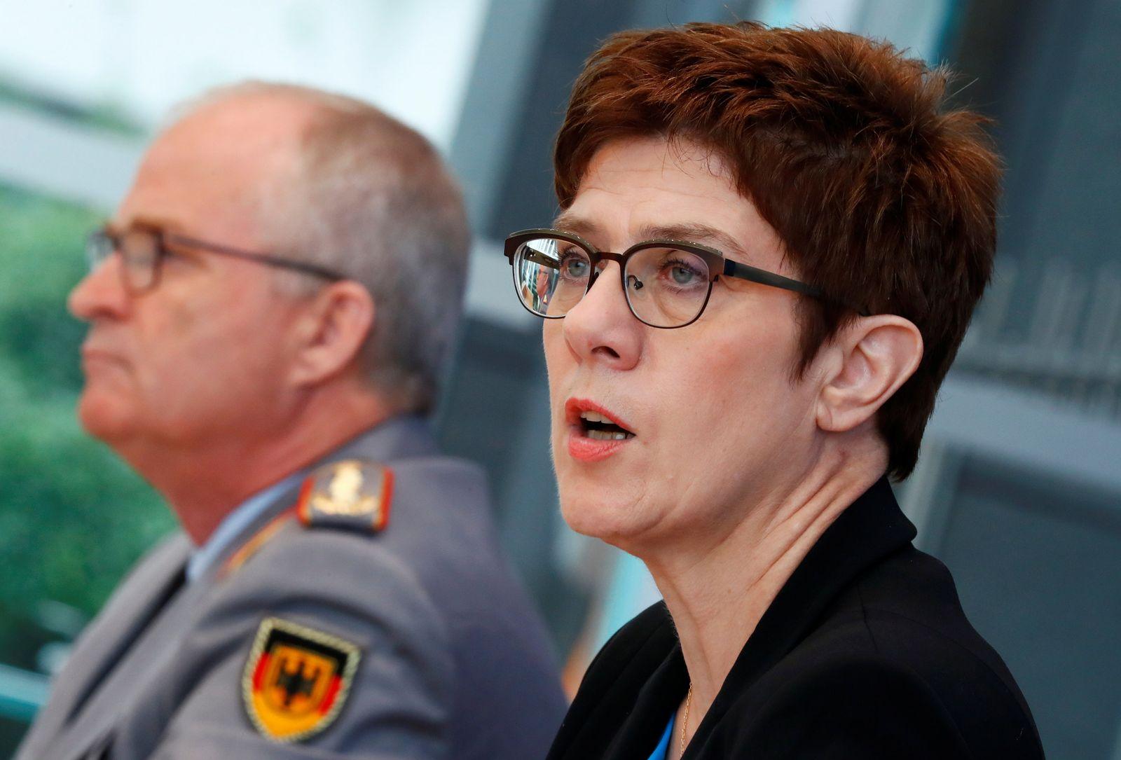KSK: Verteidigungsministerin informiert über Reform