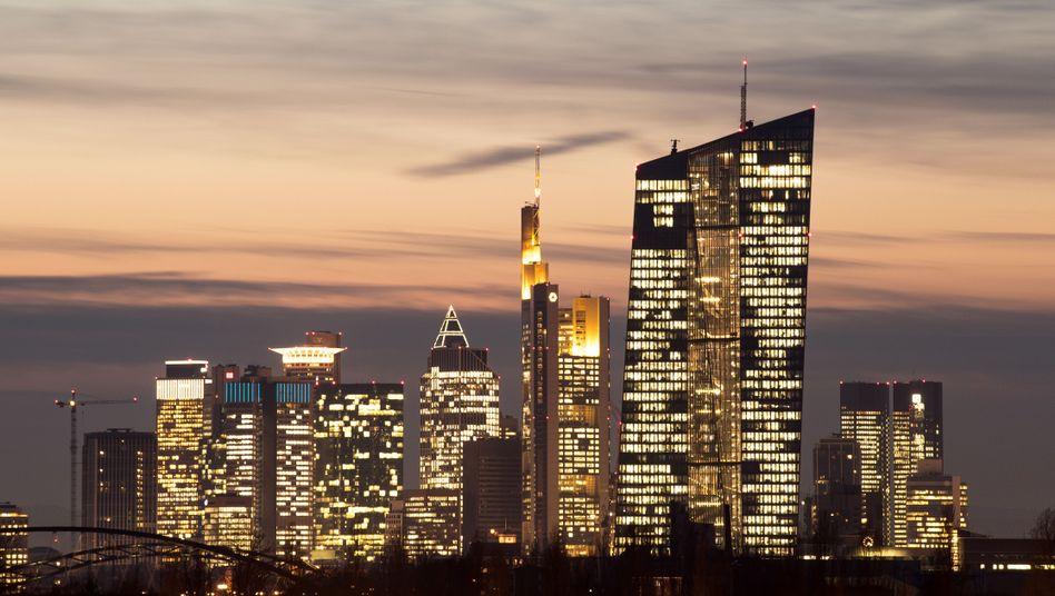 Die Zentrale der EZB in der Frankfurter Skyline