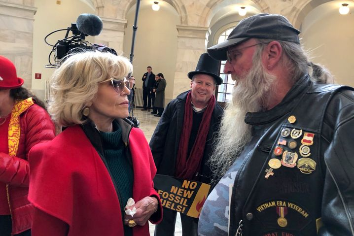 Jane Fonda und der Anti-Fracking-Aktivist Ray Kemble im US-Kapitol