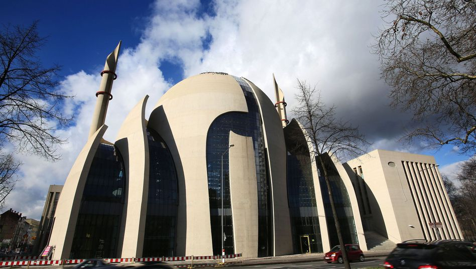 There may be plenty of mosques in Germany, but issues relating to Islam remain controversial in the country.