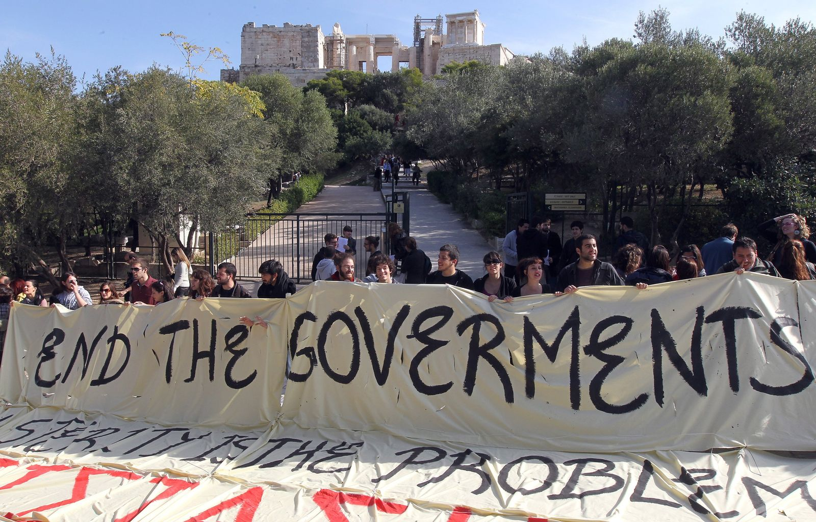 Demonstrators affiliated to the Left Coalition Party of Greece (S