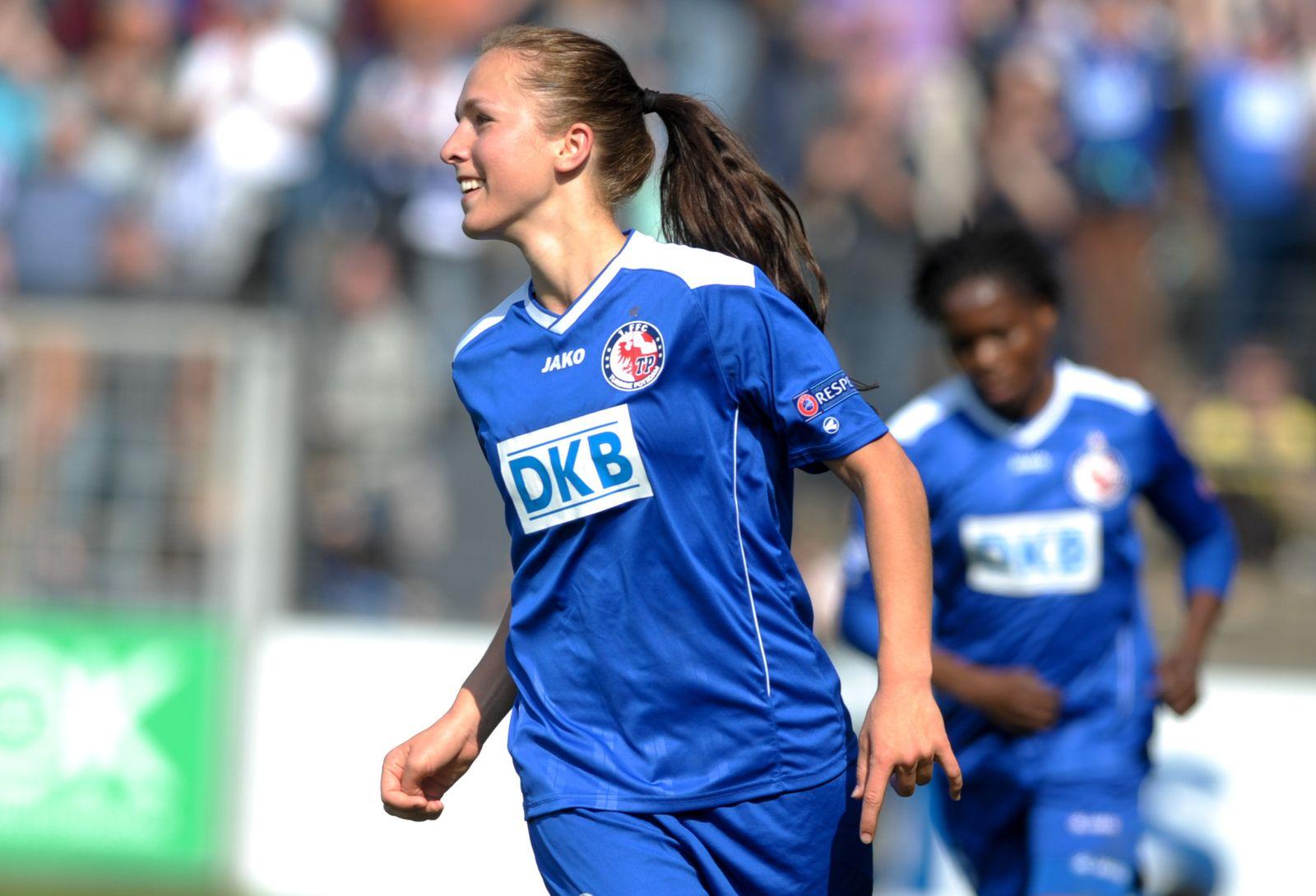 1. FFC Turbine Potsdam ASD Torres Calcio CF Wälti