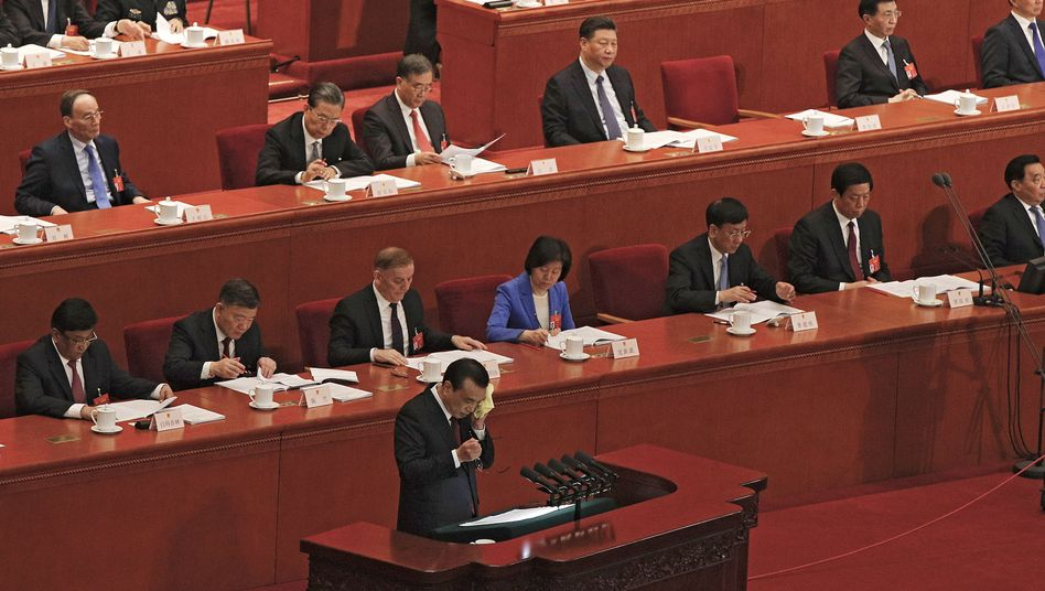 Li Keqiang bei seiner Rede in Peking
