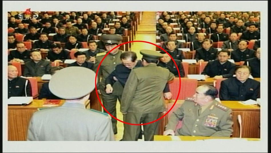 Entmachteter Spitzenkader Chang: NordkoreademütigtKims Onkel
