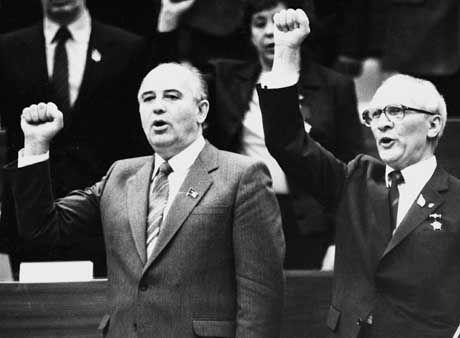 Ließ Dokumente vernichten: Ulbricht-Nachfolger Honecker (r., 1986 mit Kreml-Chef Gorbatschow)