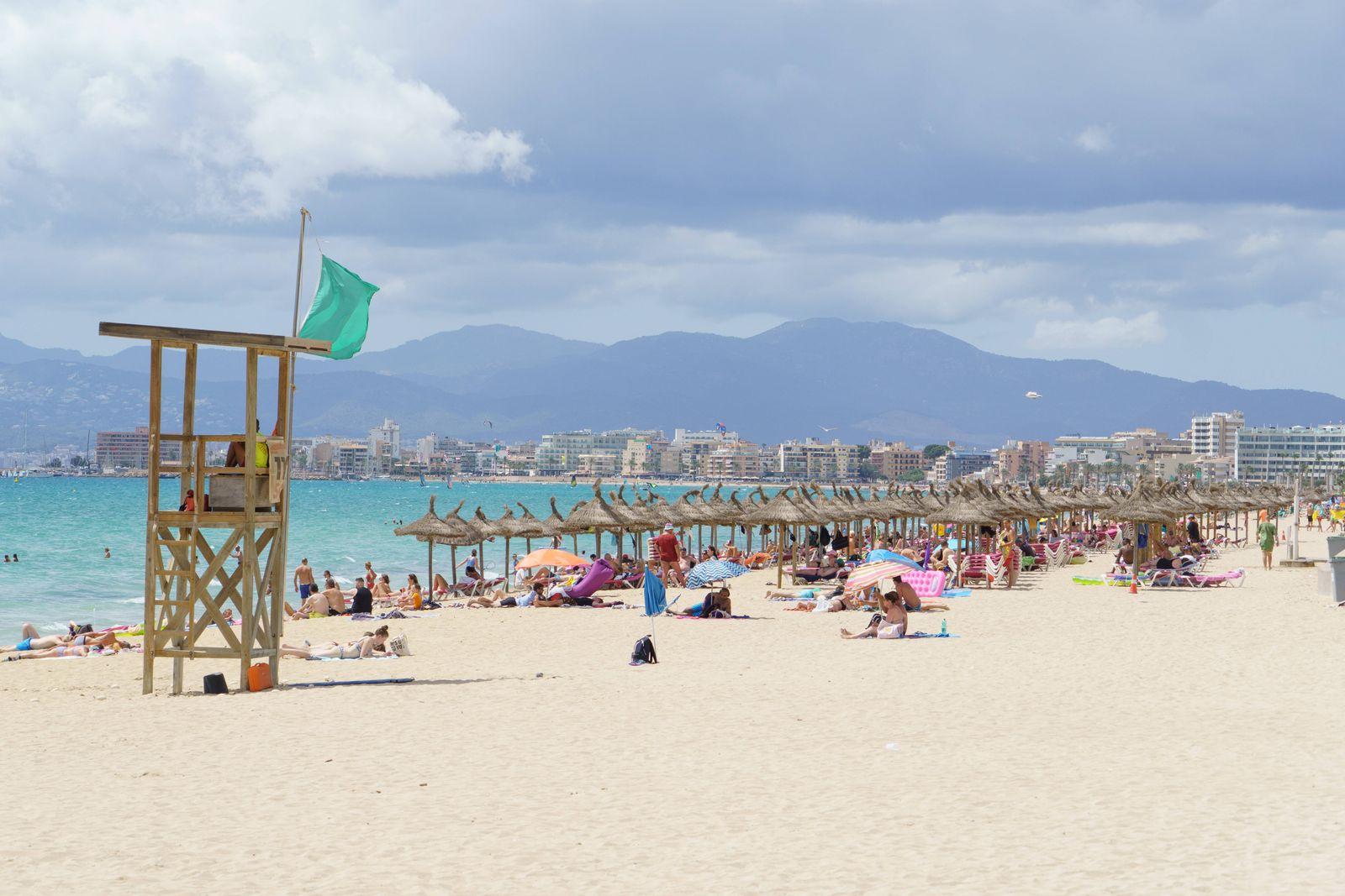 Playa de Palma auf Mallorca im zweiten Jahr der Corona-Pandemie Hochsaison Sommer 2021 -;Playa de Palma auf Mallorca im