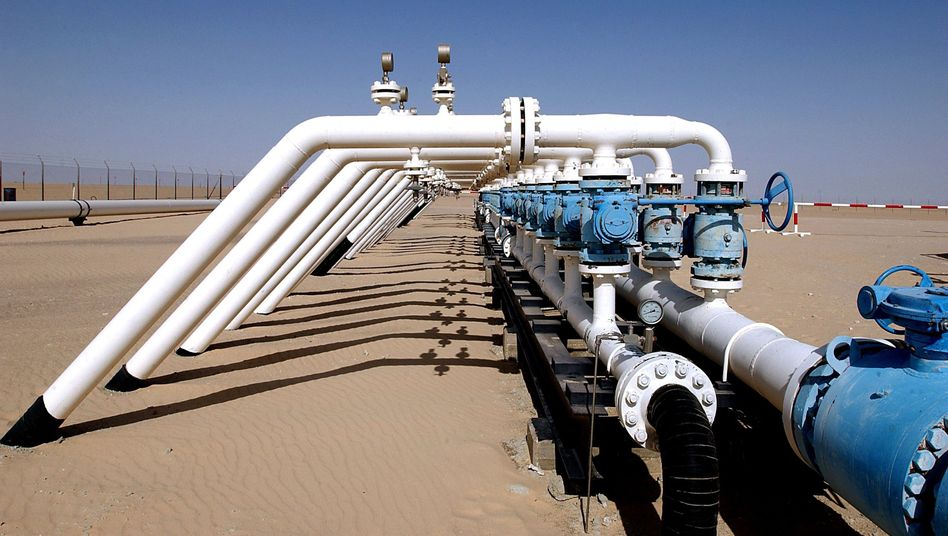 An oil pipeline belonging to BASF subsidiary Wintershall in Libya: The company hopes the new rebel government will honor existing contracts.