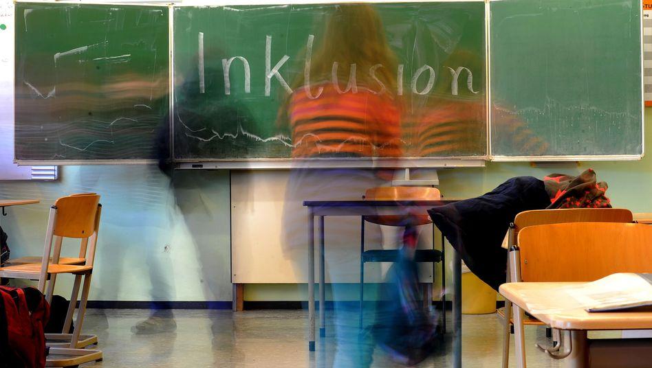 """""""Inklusion"""" steht an der Tafel im König-Wilhelm-Gymnasium in Höxter (Symbolbild)"""