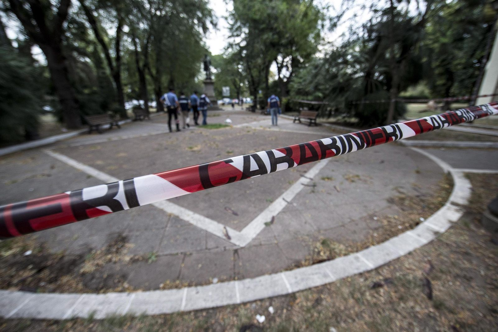 Four Carabinieri stabbed by man in Rome