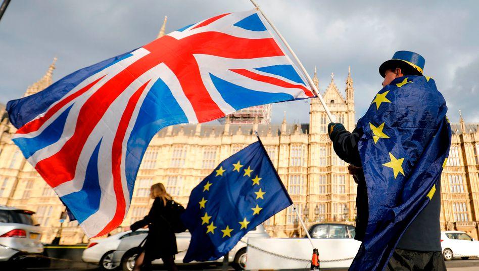 Die scheinbar endlosen Verhandlungen gehen weiter: Ein proeuropäischer Mann in London