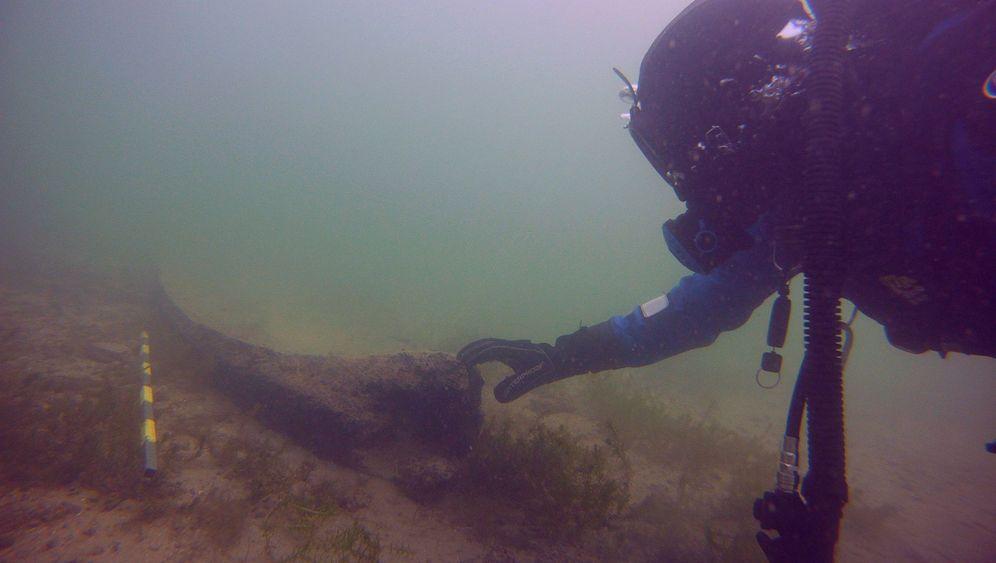 Bodensee: Ein Einbaum aus der Vorzeit