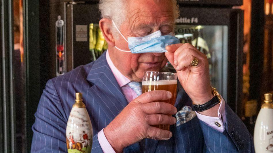 Prinz Charles: Ein Pint Bitter im Pub