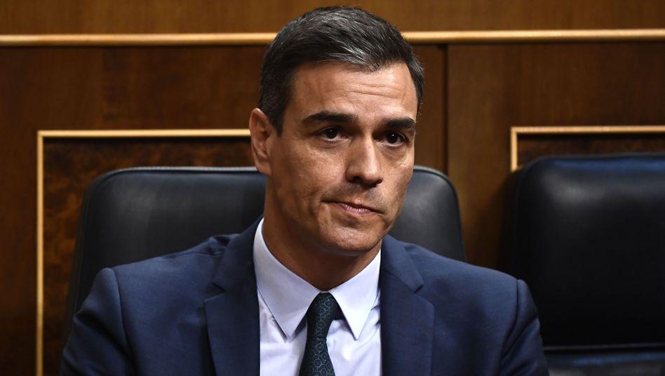 Pedro Sánchez hat nur gut ein Drittel der Parlamentarier hinter sich
