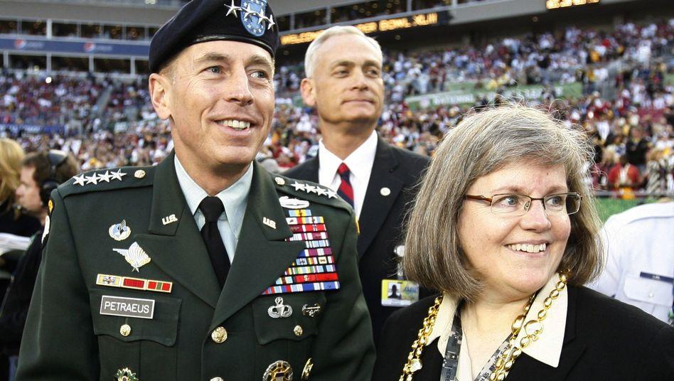 Ex-General David Petraeus und Ehefrau Holly: Makellos und moralisch überlegen