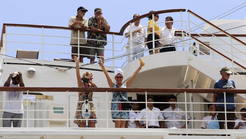 """""""Costa Allegra"""" auf den Seychellen: Pannen-Schiff erreicht sicheren Hafen"""