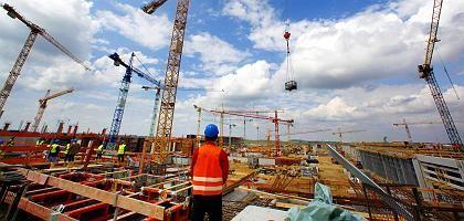 Baustelle in Berlin: Schwache Arbeitsmarktentwicklung in Mai