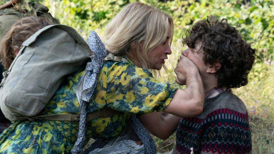 Darsteller Emily Blunt, Noah Jupe in »A Quiet Place 2«: Wer einen Mucks macht, wird abgemurkst