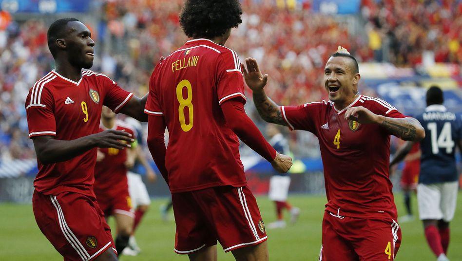 Belgiens Fellaini (vorne): Zweifacher Torschütze gegen Frankreich