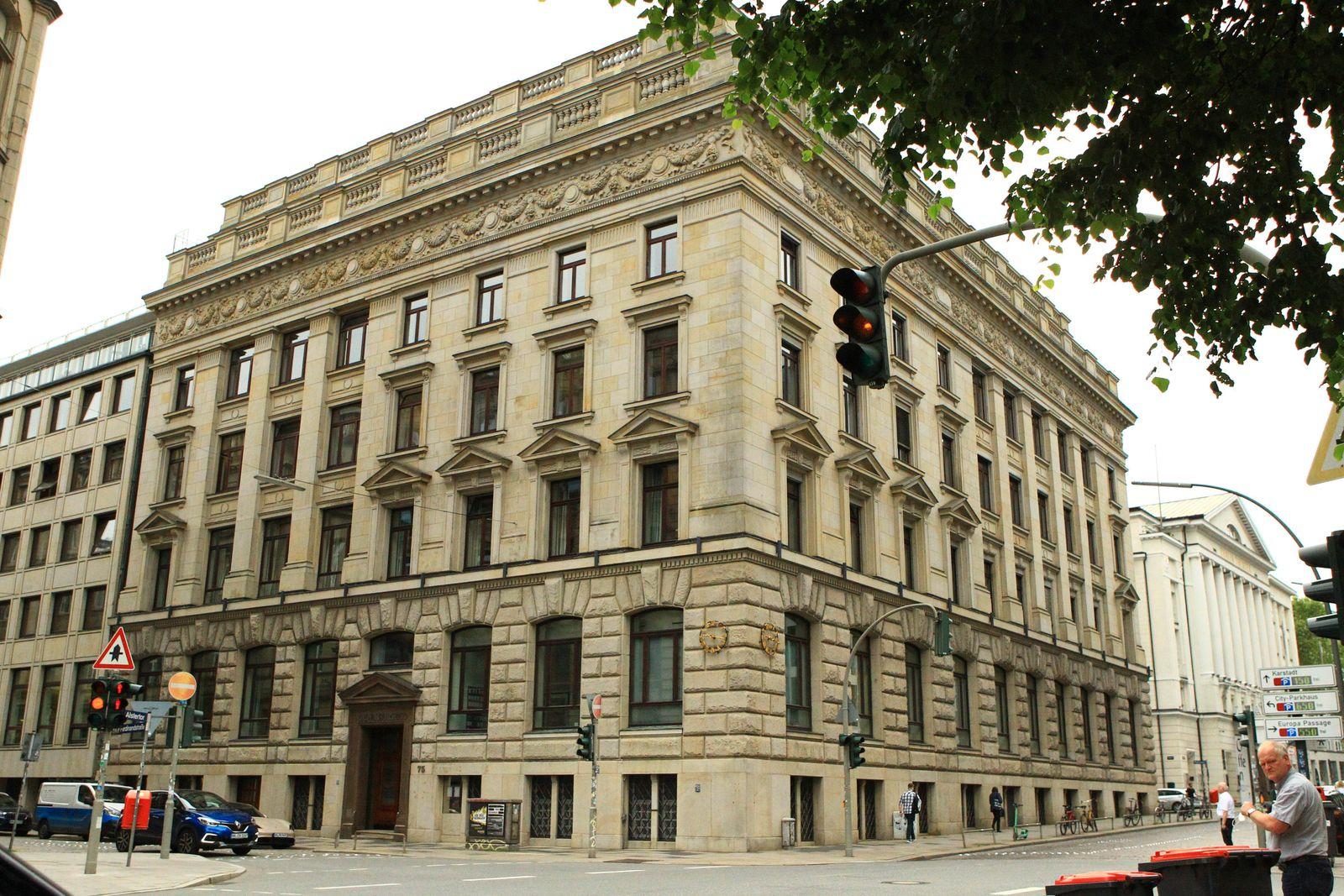 Der Hauptsitz der in die Cum-Ex-Affäre verwickelten Privatbank M.M.Warburg & CO in der Ferdinandstraße 75 in der Hamburg