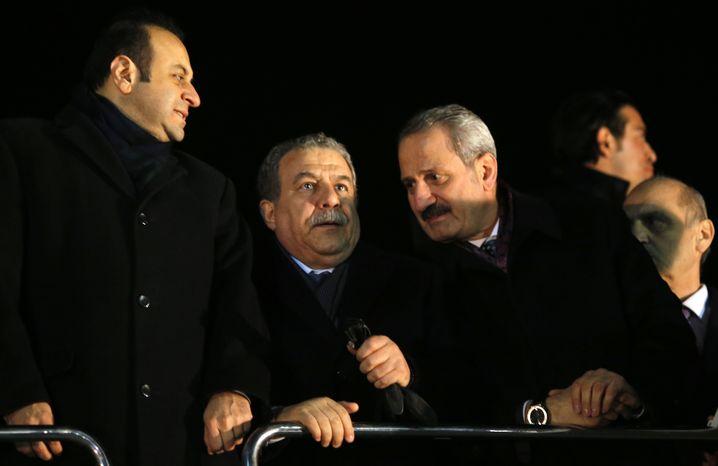 Türkische Minister Güler (zw.v.l.), Caglayan (zw.v.r.) 2013