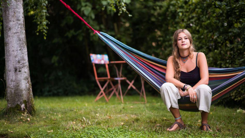 Jungwählerin Ana Kirschner in ihrem Elternhaus