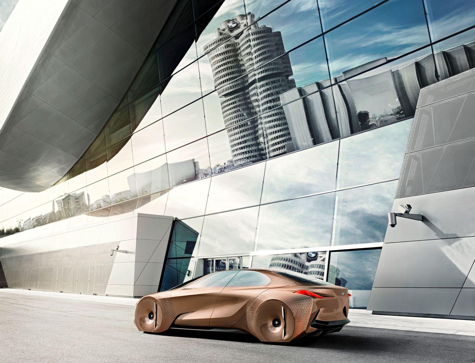 SP 37/2017, S.81 Mobilität der Zukunft / BMW-Studie Vision 100