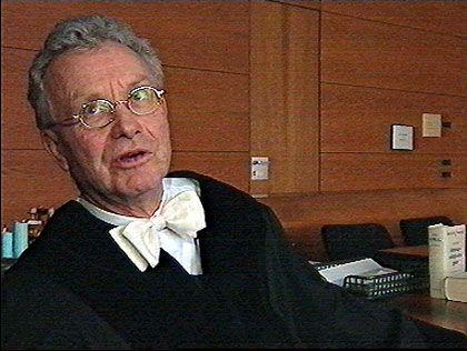 Hat die Freude am Beruf trotz widriger Umstände noch nicht verloren: Amtsrichter Warnstädt