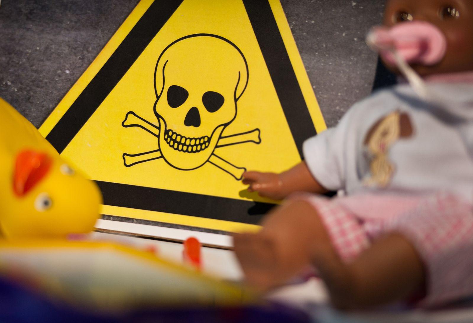 Spielzeug / Schwermetall / giftig
