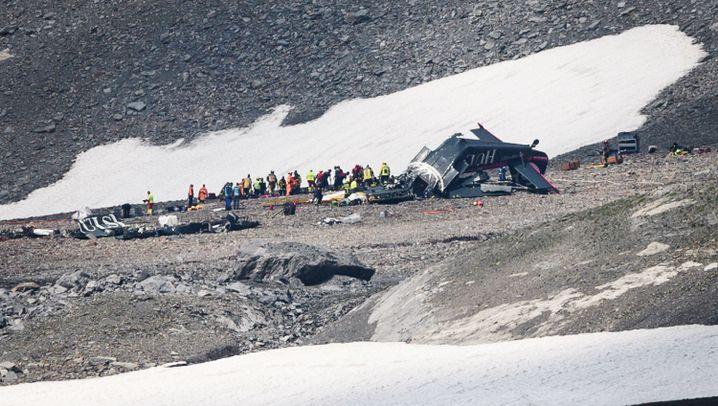 Katastrophe mit 20 Toten: Absturz in den Alpen