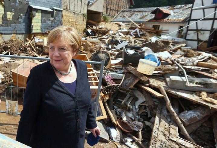 Angela Merkel im Unglücksgebiet