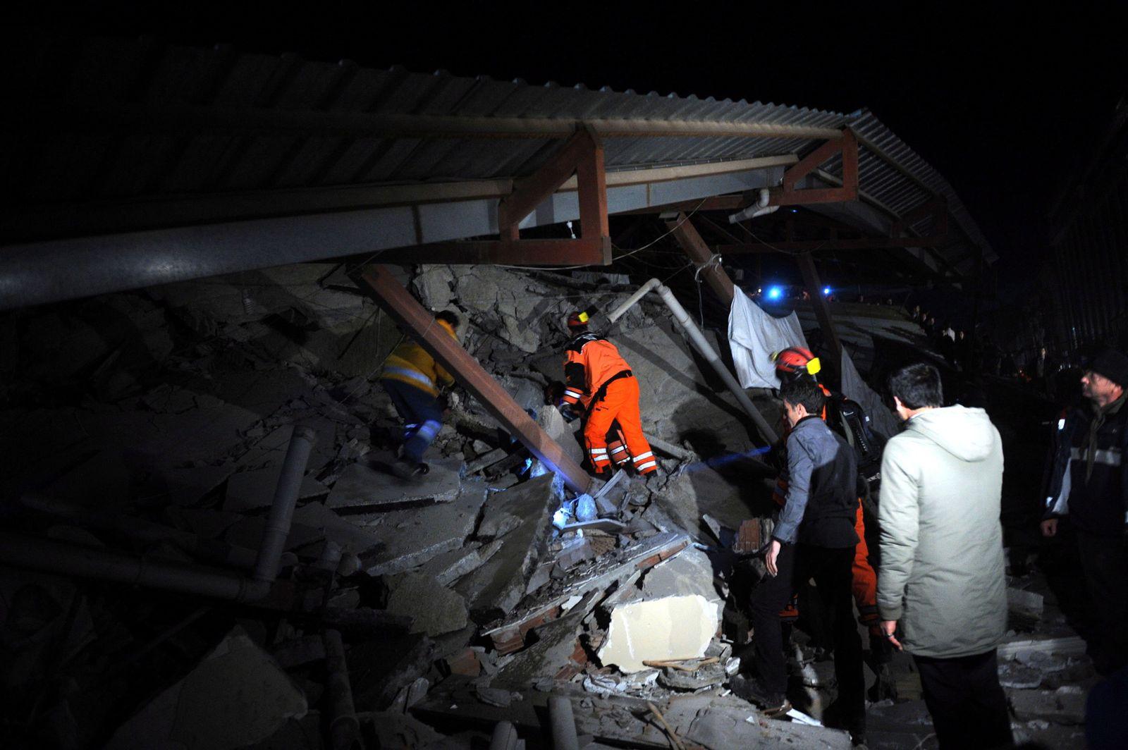 Earthquake in Van eastern of Turkey
