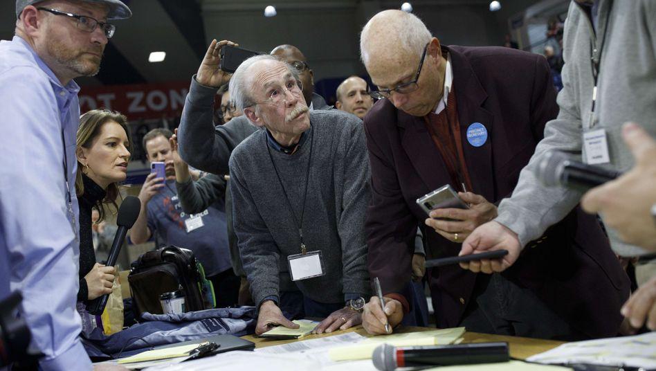 Chaos in Iowa: Wahlhelfer in Des Moines prüfen die Stimmergebnisse