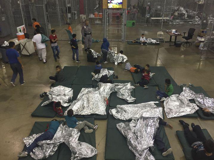 Dieses Bild entstand bereits vor einem Jahr, im Juni 2018, im US-Grenzlager in McAllen, Texas
