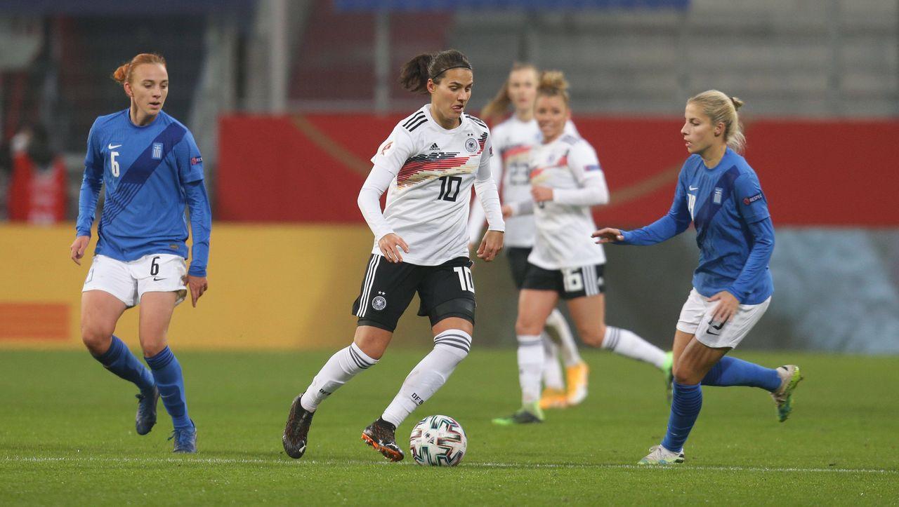 Frauenfu-ball-EM-Qualifikation-Deutschland-besiegt-Griechenland-Hattrick-durch-Laura-Freigang