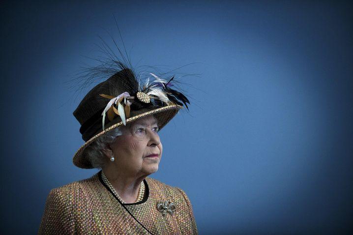 Queen Elizabeth: Bestürzt darüber, dass so viele Kinder unter den Toten sind