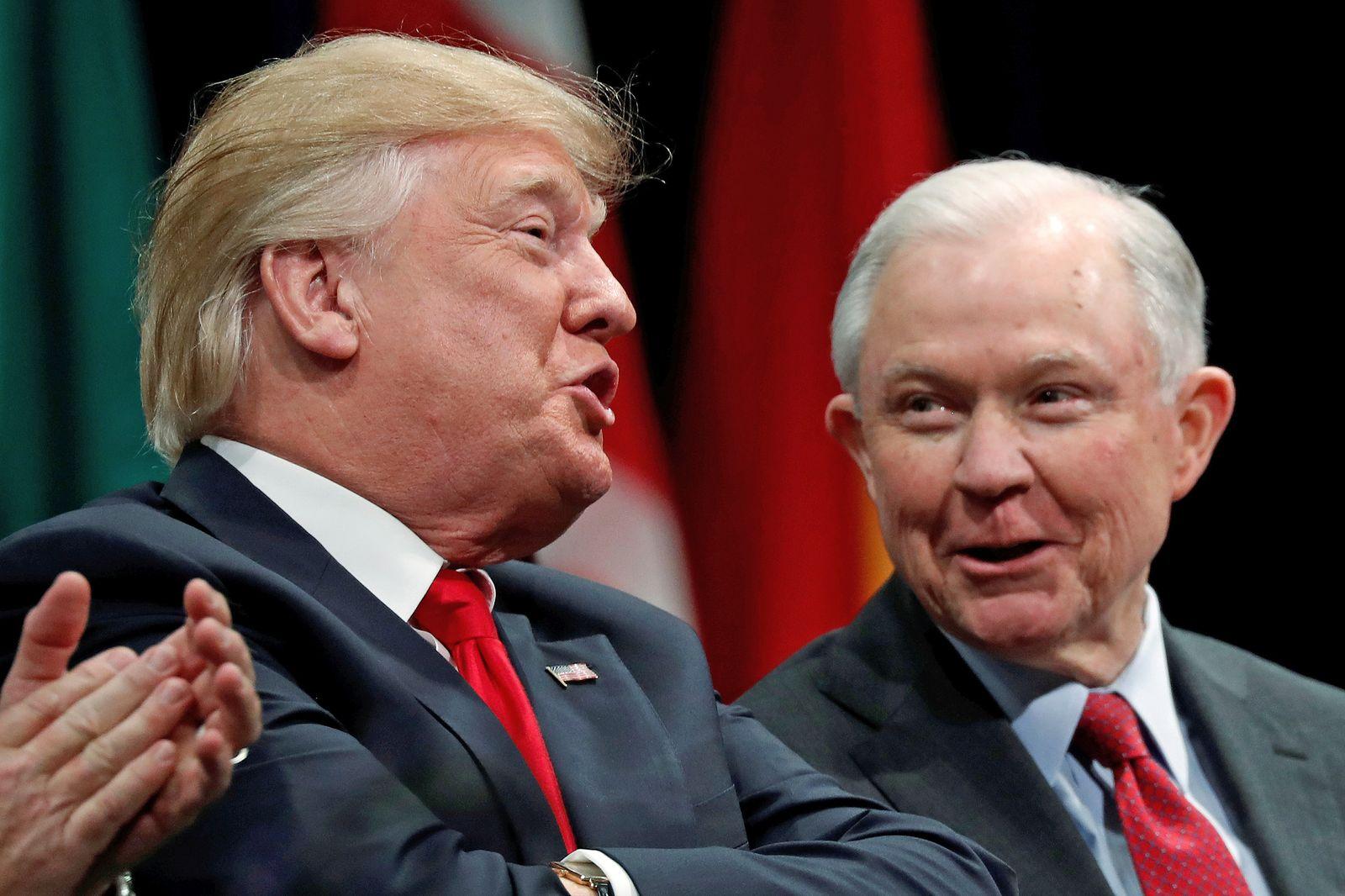 EINMALIGE VERWENDUNG Donald Trump/ Jeff Sessions