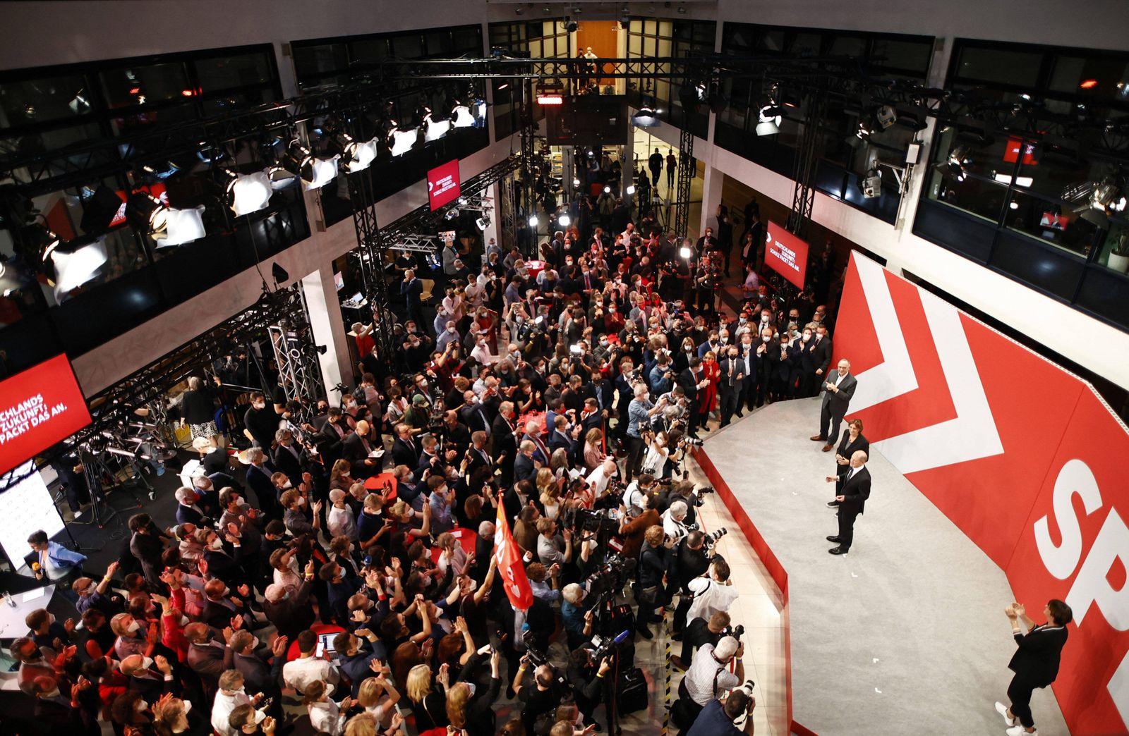 Bundesfinanzminister und Kanzlerkandidat Olaf Scholz, SPD, am Wahlabend der Bundestagswahl 2021 in der SPD Parteizentra