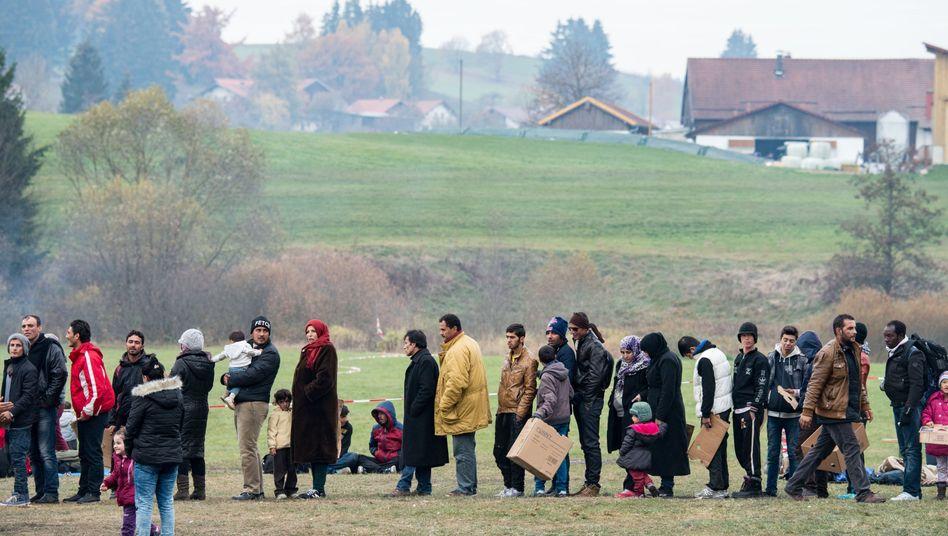 """Flüchtlinge an der deutsch-österreichischen Grenze: """"Rendezvous mit der Globalisierung"""""""
